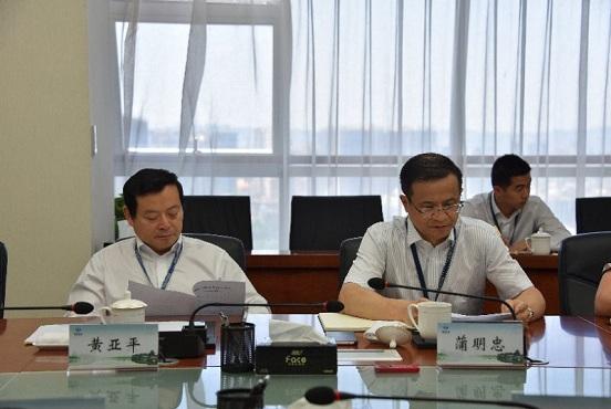 左起:党委副书记,总经理黄亚平,贵阳水务集团党委书记,董事长蒲明忠